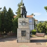 Piatra Neamt Statuia Kogalniceanu-8835