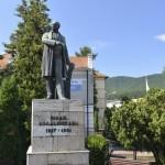 Piatra Neamt Statuia Kogalniceanu-8849