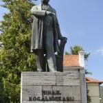 Piatra Neamt Statuia Kogalniceanu-8854