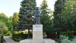 Piatra Neamt Statuia lui Stefan cel Mare-9202
