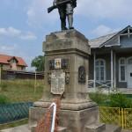 sat Bistrita Monumentul Eroilor-5660